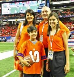Nikki-Haley-with-her-husband-and-children